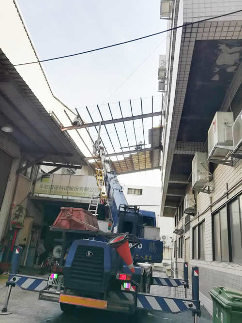 台北市五股區陳大哥 遮雨棚拆除