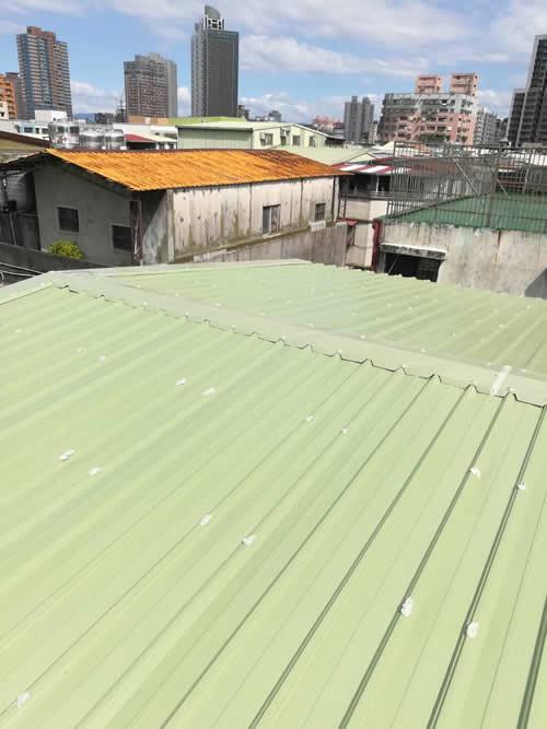 台北市板橋區林大哥 鐵皮屋頂