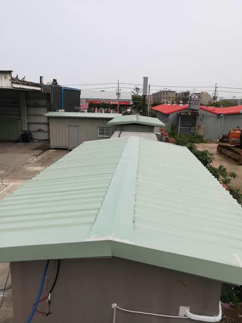 桃園市大園區貨櫃屋頂